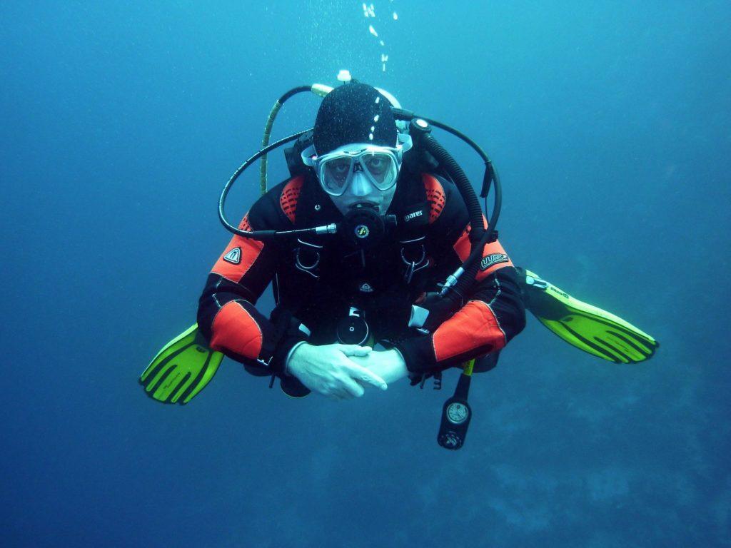 scuba diving equipment manchester